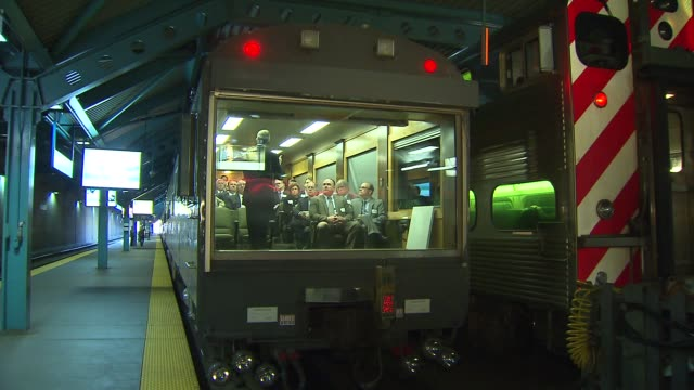 union pacific hosted the chairmen of the dupage kane and lake county boards and metra officials on its executive train in chicago on april 11 2014 - interno di treno video stock e b–roll
