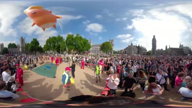 A unique opportunity to see the 'Trump Baby' balloon protest in 360VR London England