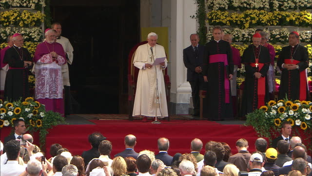 Unique, the pope benedict XVI in south tyrol