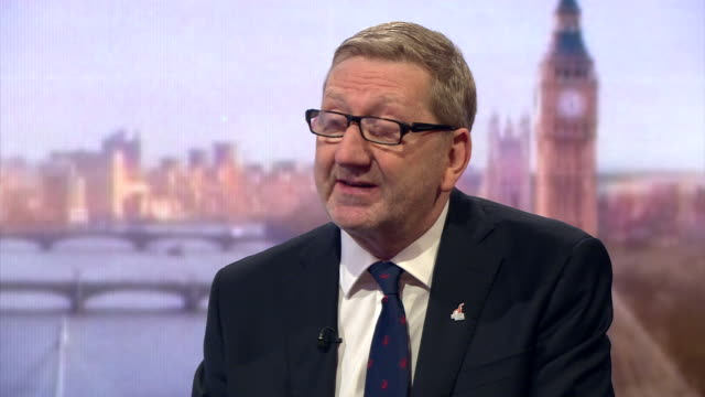 unite general secretary len mccluskey criticising labour mp's for resigning over jeremy corbyn's leadership when they should be there fighting for us - parlamentsmitglied stock-videos und b-roll-filmmaterial