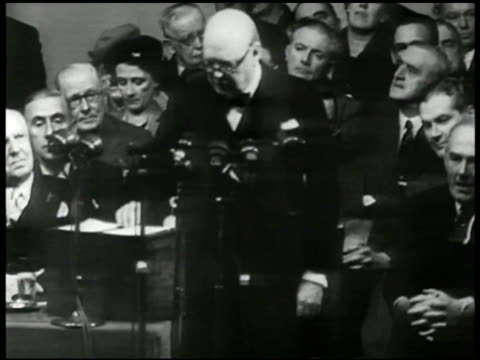 united kingdom prime minister winston churchill speaking 'if the us were to destroy the stock of atomic bombs guilty of murdering human freedom and... - 1948 stock-videos und b-roll-filmmaterial