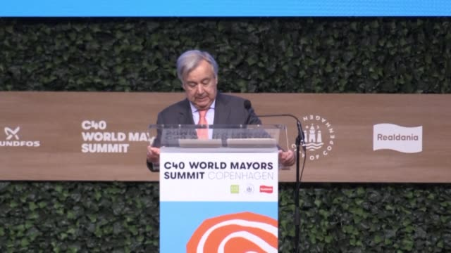 stockvideo's en b-roll-footage met united nations secretary general antonio guterres calls on cities civil society and businesses to continue to press governments as much as possible... - democratie