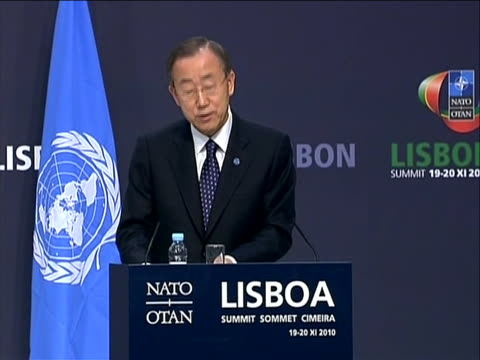 vídeos y material grabado en eventos de stock de united nations secretary general ban-ki moon speaking at podium during afghanistan nato partnership summit. ban-ki moon says òthere have been obvious... - (war or terrorism or election or government or illness or news event or speech or politics or politician or conflict or military or extreme weather or business or economy) and not usa