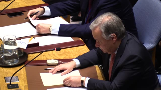 vídeos de stock, filmes e b-roll de united nations secretarygeneral antonio guterres delivers a speech during a meeting at the united nations headquarters in new york united states on... - united nations