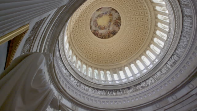 united states capitol rotunde in washington, dc - 4k/uhd - us senat stock-videos und b-roll-filmmaterial