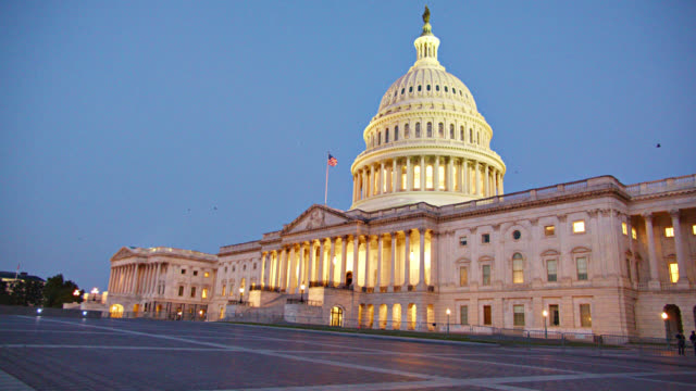 united states capitol. senate. night. - united states congress stock-videos und b-roll-filmmaterial