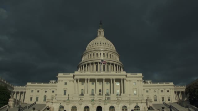 vídeos de stock e filmes b-roll de united states capitol west facade & dome in washington, dc - 4k/uhd - politician