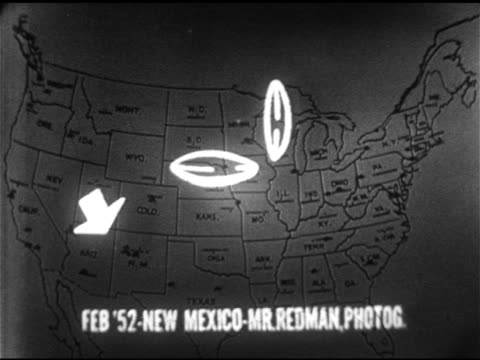 vídeos de stock, filmes e b-roll de united states map w/ pins unexplained highlighting area 1952 albuquerque new mexico sot ce redman professional photographer telling his ufo sighting... - ufo