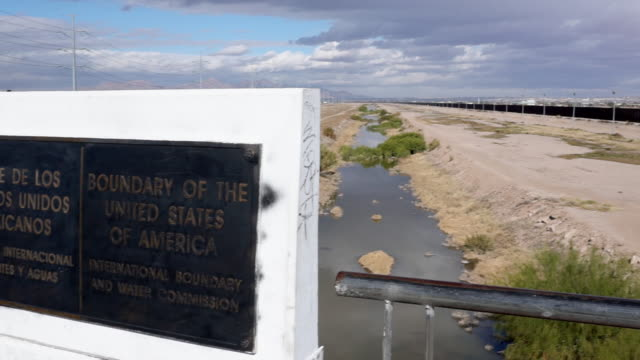 United States Mexico Border Plaque Between Juarez and El Paso