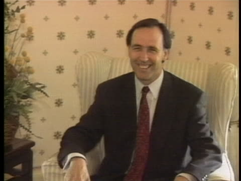 of united states president george bush and australian prime minister paulêkeatingêmeeting and smiling for pictures during bush'sêofficialêvisit to... - united states and (politics or government) stock videos & royalty-free footage