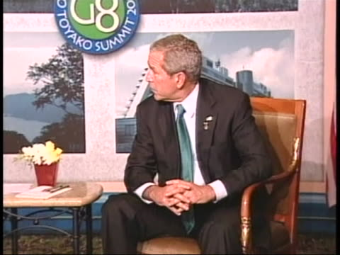 united states president george w. bush speaks to the press while visiting japan for the g-8 summit in july of 2008. - united states and (politics or government)点の映像素材/bロール