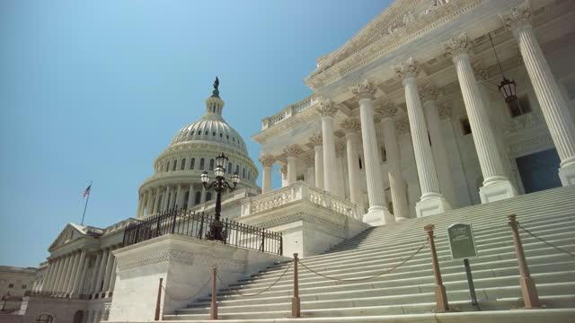 ワシントンdcの議事堂で米国上院のステップ - 連邦議会議員点の映像素材/bロール