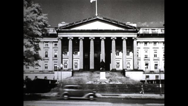 united states supreme court building. - corte suprema palazzo di giustizia video stock e b–roll