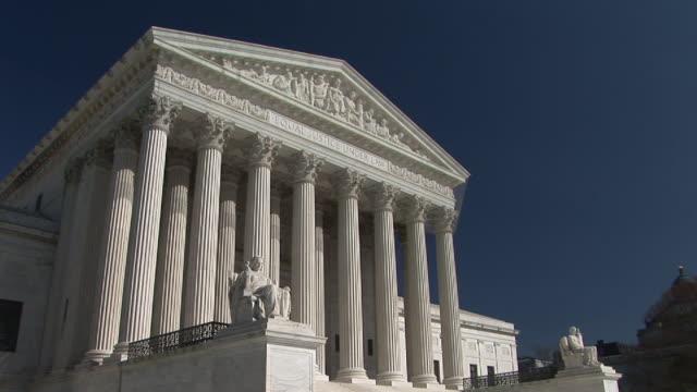 ms, zi, cu, united states supreme court building, washington, dc, washington, usa - ペディメント点の映像素材/bロール