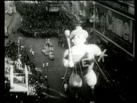 Spectators watch the Macy's Parade in New York City