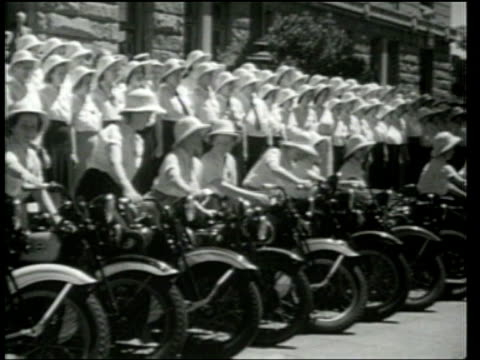 female police officers - 1939 stock-videos und b-roll-filmmaterial