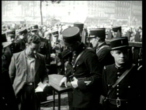 vidéos et rushes de universal newsreel. france prepares to defend against germany during world war ii. - seconde guerre mondiale