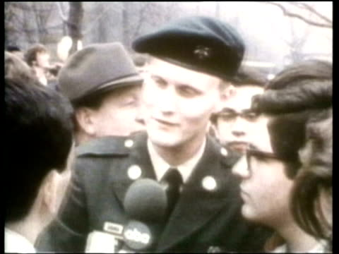 how we lived a us soldier describes becoming disillusioned with the vietnam war - ニュース映画点の映像素材/bロール