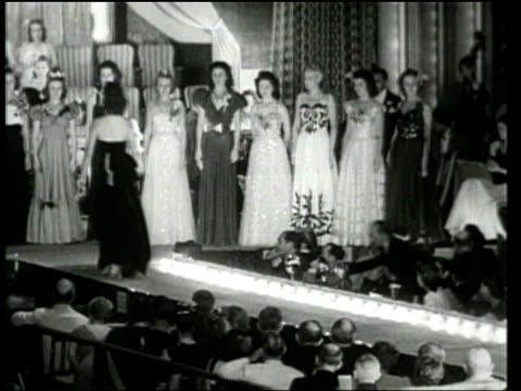 universal newsreel. miss michigan wins the 1939 miss america title in atlantic city, new jersey. - 1939 stock-videos und b-roll-filmmaterial