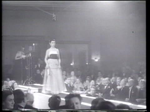 ntaizi mavraki wins the competition to represent greece in the miss universe pageant - 出場者点の映像素材/bロール