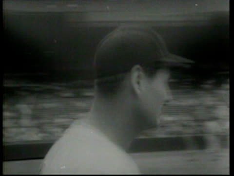 the atlanta braves defeat the new york yankees - newsreel stock videos & royalty-free footage