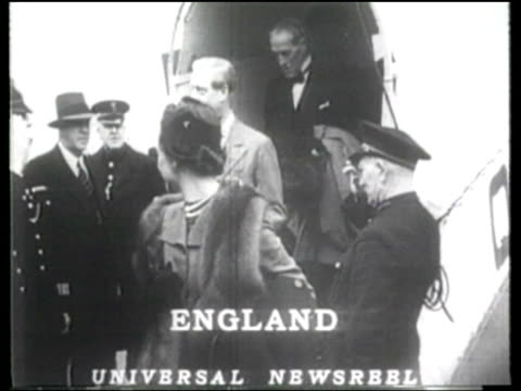 the duke and duchess of windsor arrive in southampton for a rare visit to england - wallis simpson stock videos & royalty-free footage