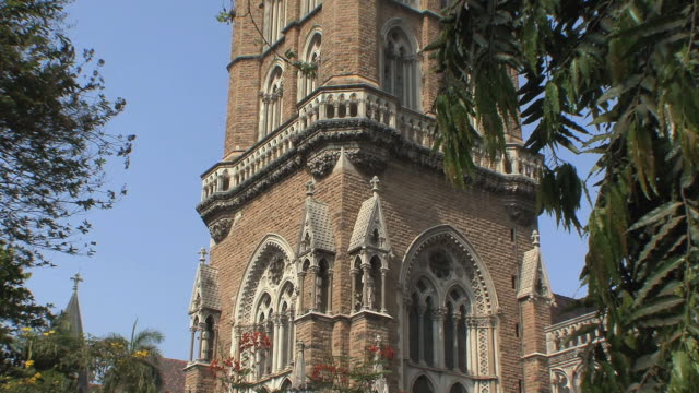 ms tu university clock tower, mumbai, india - turmuhr stock-videos und b-roll-filmmaterial