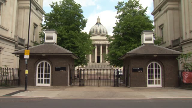 university college london ucl locked up and closed during the coronavirus lockdown - lock stock videos & royalty-free footage