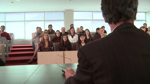 hd dolly: university hall - lecture hall bildbanksvideor och videomaterial från bakom kulisserna