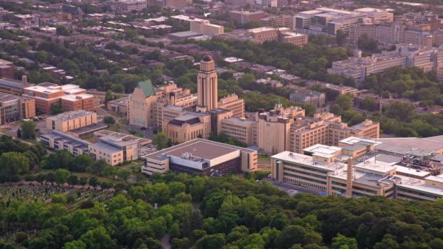vídeos de stock, filmes e b-roll de universidade aerial de montreal, montreal, canadá - montreal