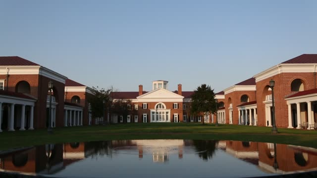 university of virginia in fall - バージニア大学点の映像素材/bロール