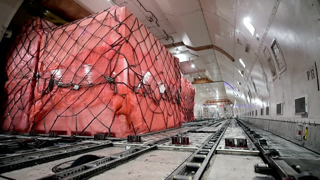 unloading cargo airplane - cargo aeroplane stock videos & royalty-free footage