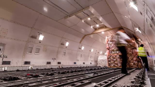 内側の乗り降りカーゴ(貨物航空機、Time Lapse (低速度撮影)