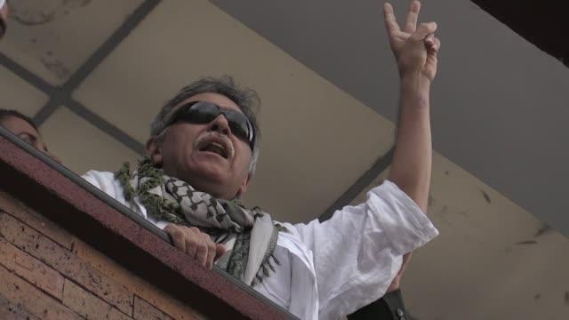 uno de los exjefes de disuelta guerrilla farc jesus santrich requerido por estados unidos bajo sospecha de narcotrafico fue dejado en libertad el... - revolutionary armed forces of colombia stock videos and b-roll footage
