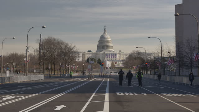 unprecedented security measures are in place around the us capitol and the national mall ahead of the inauguration of joe biden and kamala harris... - 大統領就任式点の映像素材/bロール