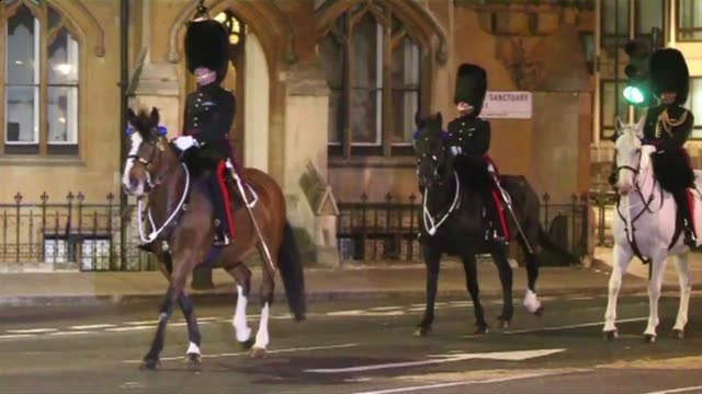 up to 1000 members of the british military attended a predawn rehearsal for the royal wedding on wednesday testing their timings to the second to... - rehearsal stock videos and b-roll footage