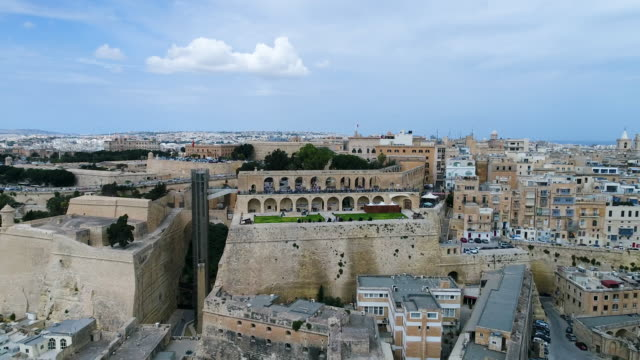 upper barracca gardens in valletta, malta - valletta stock videos & royalty-free footage