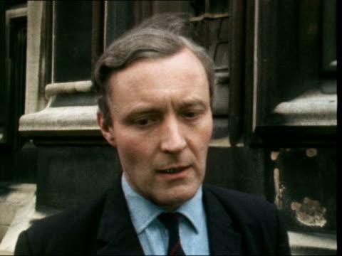 "upper clyde shipbuilders liquidation:; b) england: london: westminster: ext anthony wedgwood benn mp [tony benn] interview sof: ""oh i think there's... - トニー ベン点の映像素材/bロール"