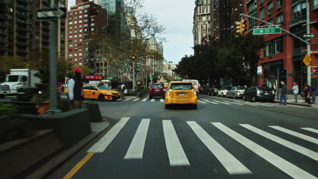 upper west side manhattan - driver's pov - western script stock videos & royalty-free footage