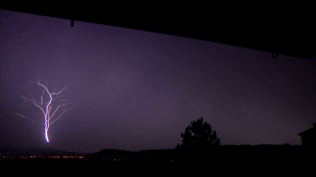 Upward lightning