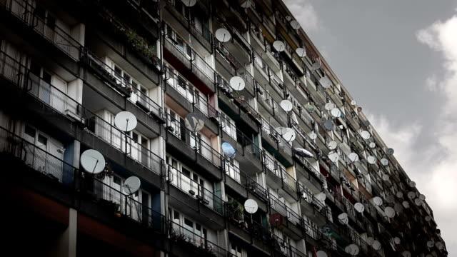 urban housing - kommunalt bostadsområde bildbanksvideor och videomaterial från bakom kulisserna