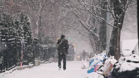 urban snowday - cold temperature stock videos & royalty-free footage
