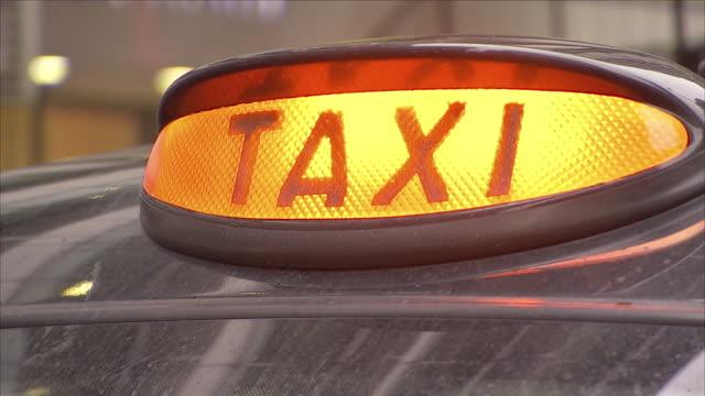 vidéos et rushes de urban - taxi