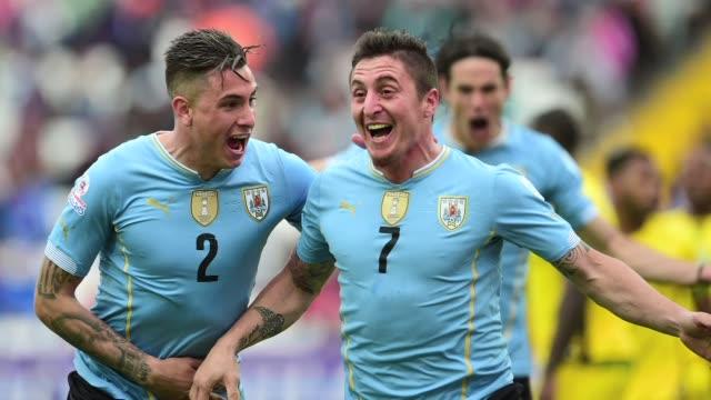 uruguay vencio a jamaica por 10 este sabado en el debut de ambos en el grupo b de la copa america de chile 2015 - antofagasta region stock videos and b-roll footage
