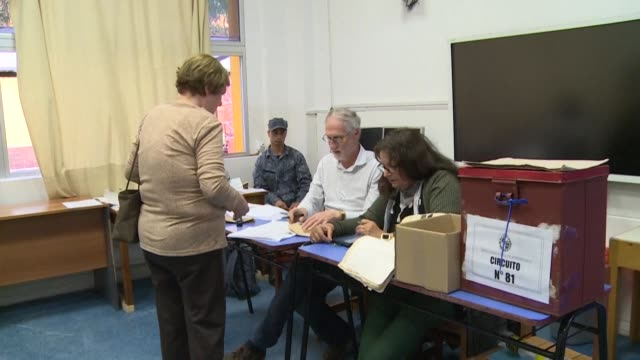 uruguayan voters reject a constitutional reform to create a military police force to patrol the streets according to early results on the day that... - nachfolger stock-videos und b-roll-filmmaterial
