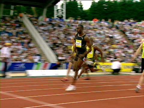 usain bolt wins men's 200m final, norwich union grand prix - 陸上競技大会点の映像素材/bロール