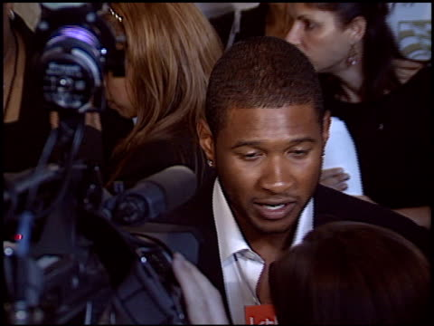 vidéos et rushes de usher raymond at the ascap pop music awards at the beverly hilton in beverly hills, california on may 16, 2005. - ascap