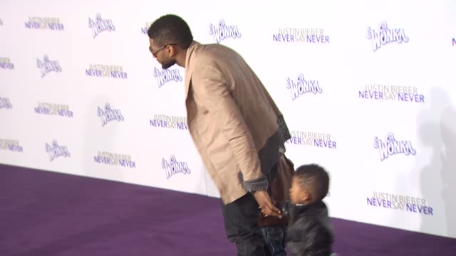 usher raymond at the 'justin bieber: never say never' premiere at los angeles ca. - usher stock videos & royalty-free footage
