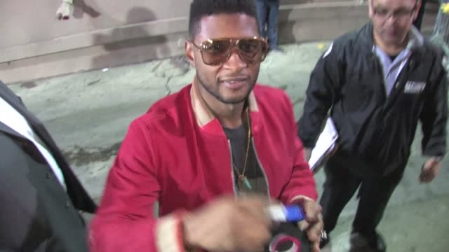 usher raymond in hollywood on 11/29/11 - usher stock videos & royalty-free footage
