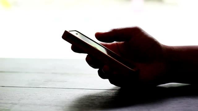 Mit smartphone-Bildschirm